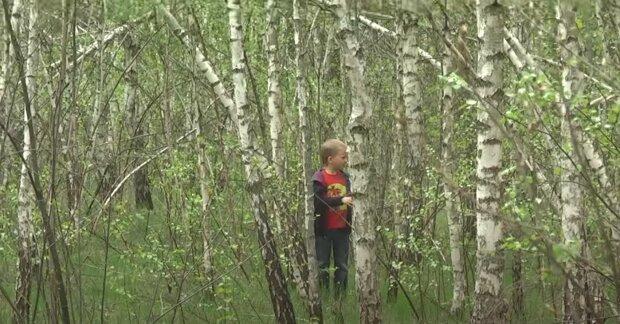 """Chlapec z lesa přivedl nového přítele: Chlapcova matka řekla pevné """"ne"""" a odmítla ho pustit do domu"""