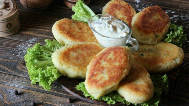 """""""Je to chutněji, než bramboráky"""": bramborové kotletky se sýrem a zelenými bylinky"""