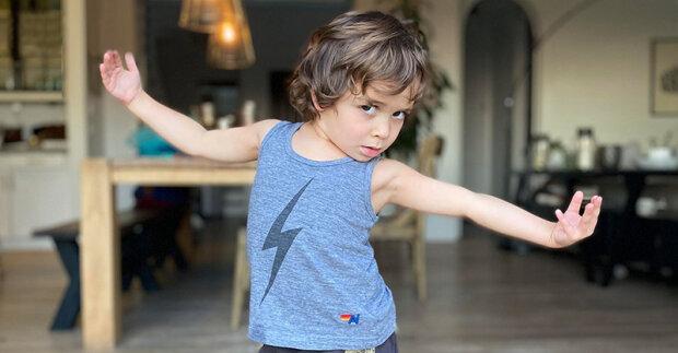 """""""Ve svých čtyřech rocích je ještě ten dobyvatel srdcí"""": maličký hezoun si naklonil všech svými tanci"""