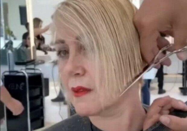 """""""Tenké vlasy prostě zkrátil"""": stylista udělal z ženy královny"""