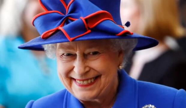 """""""Královská tajemství"""": Proč královna nosí kabelku i doma a co v ní ukládá"""