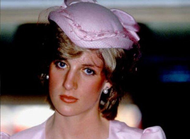 """""""Mohla nechat královnu bez domova"""": Stalo se známum, že princezna Diana při vaření málem spálila palác"""