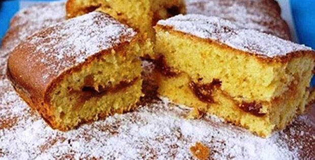 """Nadýchaný koláč s marmeládou narychlo: """"Jemný, chutný, voňavý a nestydí se dat na stůl"""""""