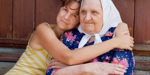 Když vnučka začala stěžovat na život, babička šla do kuchyně pro mrkev, vejce a kávu