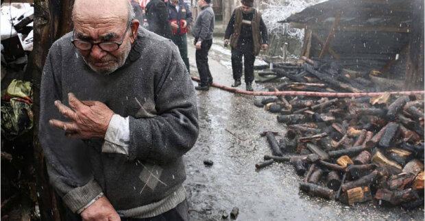 Dědeček si myslel, že v požáru ztratil všechno, dokud se pod hořící trosky neobjevil někdo chlupatý