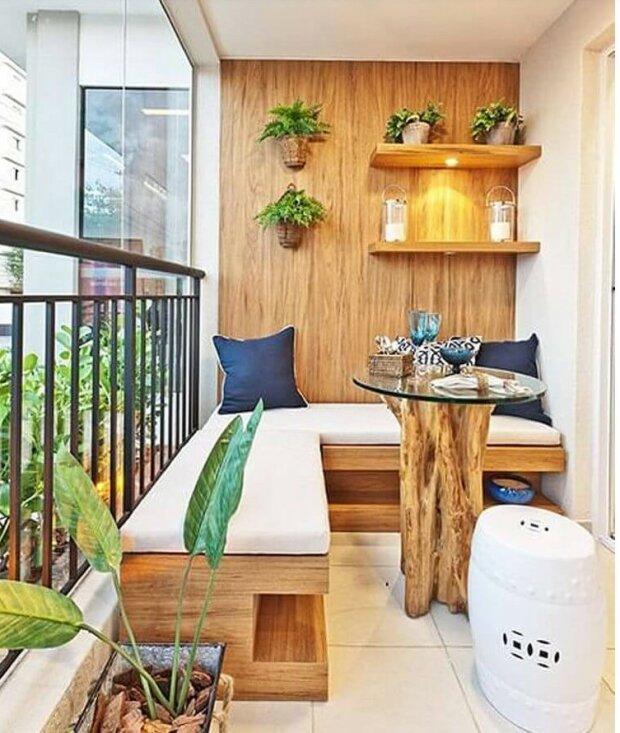Balkony v malých bytech byly nevzhledné, po rekonstrukci se staly luxusními