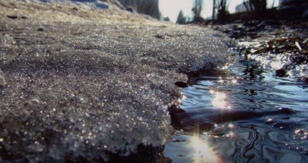 V Česku se prudce oteplí: Předpověď počasí na čtvrtek a pátek. V jakých krajích se očekává námraza silnic
