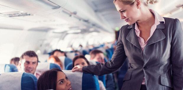 Žena nechtěla sedět vedle staršího cestujícího: letuška ji postavila na své místo