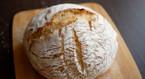"""Chleba pro líné: """"Recept chleba bez zadělání hospodyním na záznam"""""""