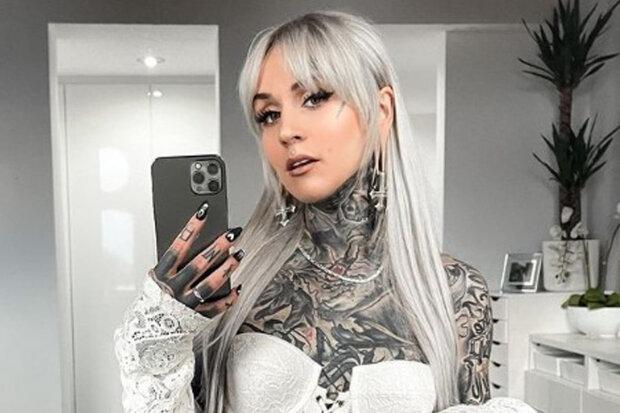 """""""Díky tetování se cítím jako umělecké dílo"""": Modelky sdílely své staré fotky bez tetování"""