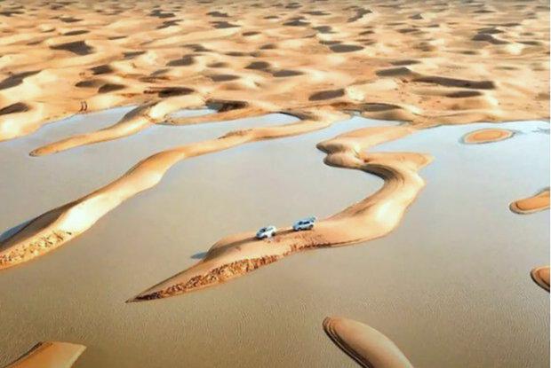 V poušti v Saúdské Arábii se objevila jezera. Místní hledají Boží plán
