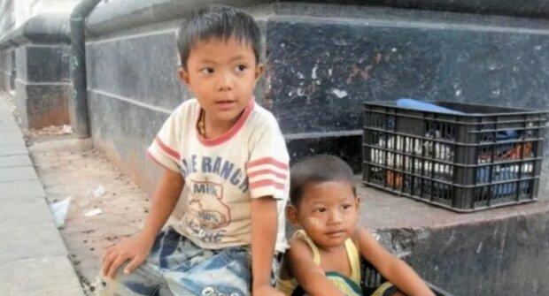 Chlapec poděkoval adoptivním rodičům za jejich štědrost. Když vyrostl, postavil jim dům, o kterém snili